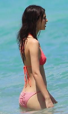 Victoria Justice Sexy Bikini Ass Shoot Cameltoe Photo