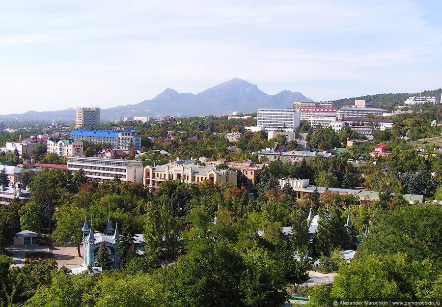 Вид на Пятигорск с вершины горы Горячей