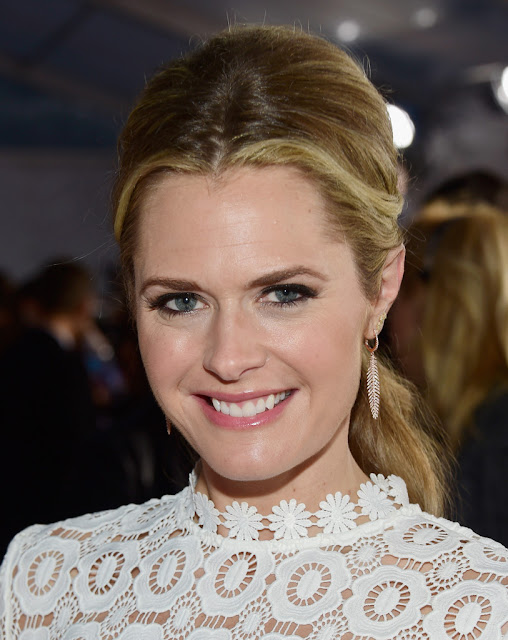 Actress, @ Maggie Lawson - People's Choice Awards in LA