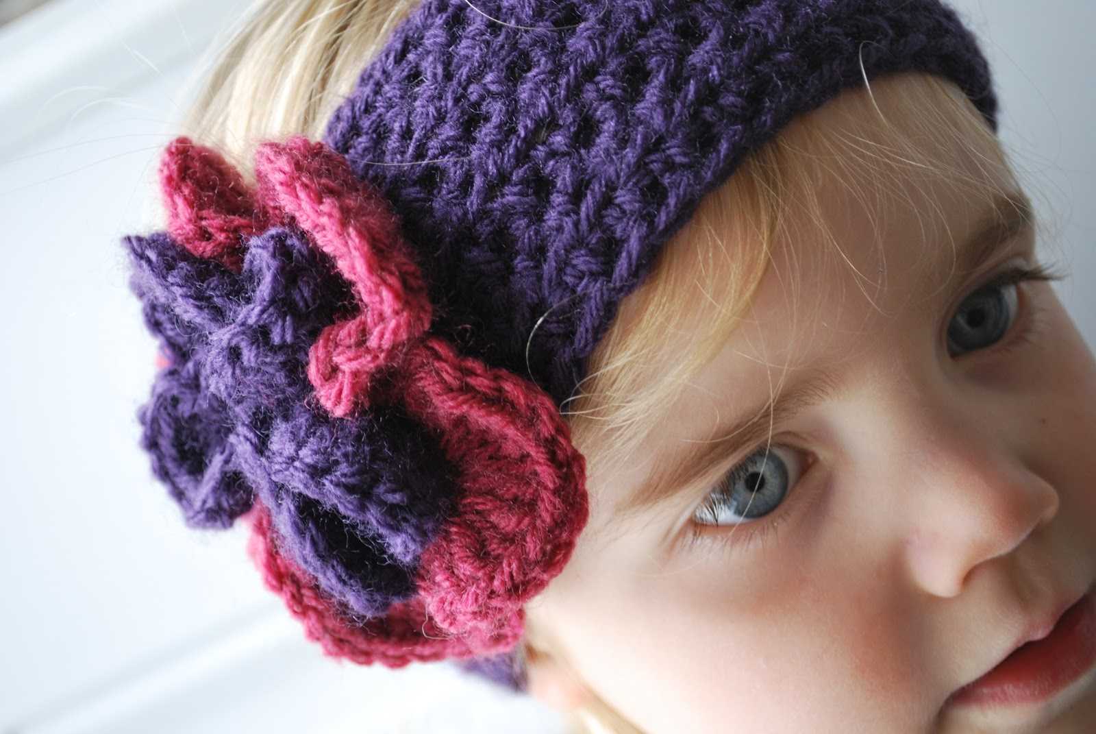 Crochet Wide Headband With Flower Free Pattern : Knit Or Crochet Headband Patterns submited images Pic2Fly