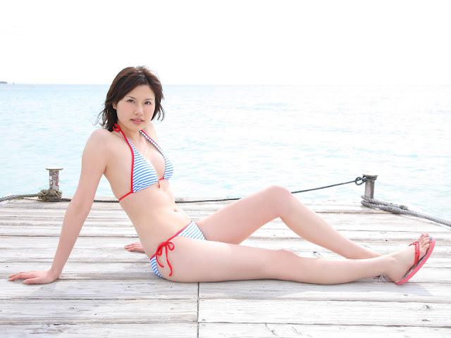 Shiori Kanzaki – Japanese Model