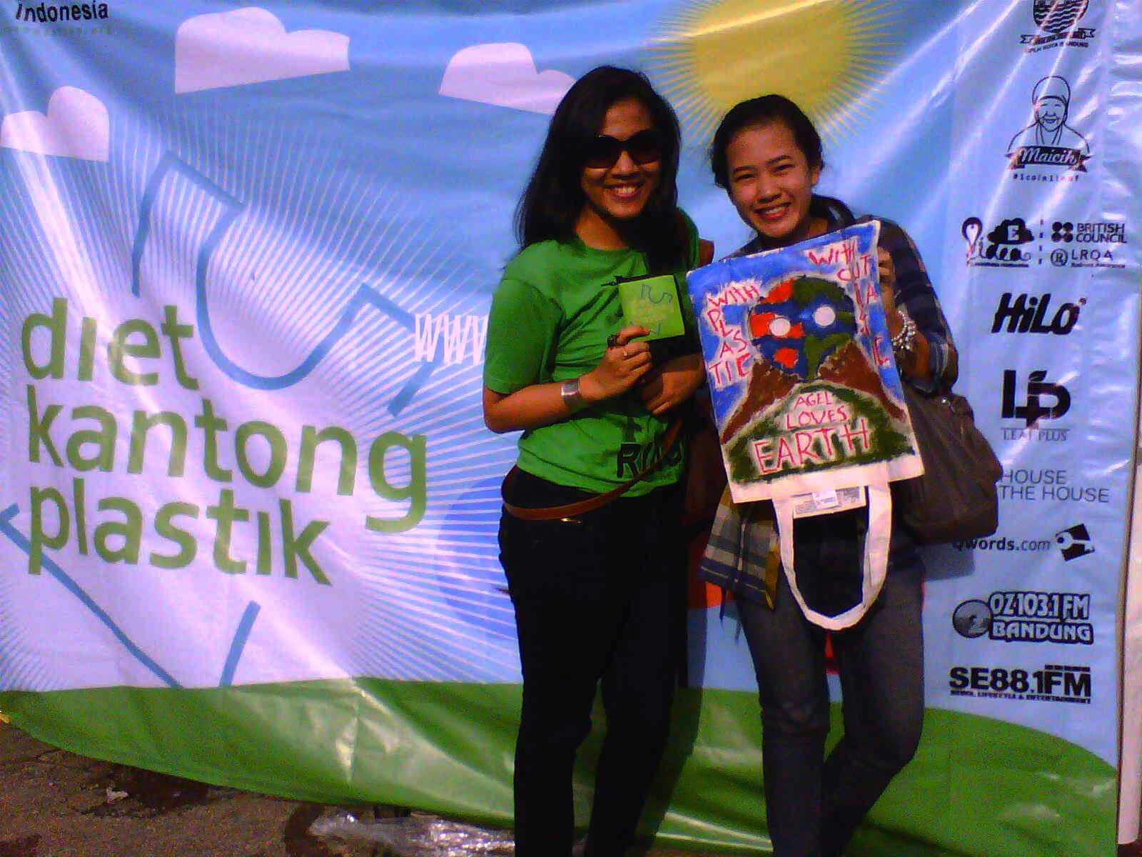 Diet Kantong Plastik, Greeneration Indonesia Buat Tas Bagoes