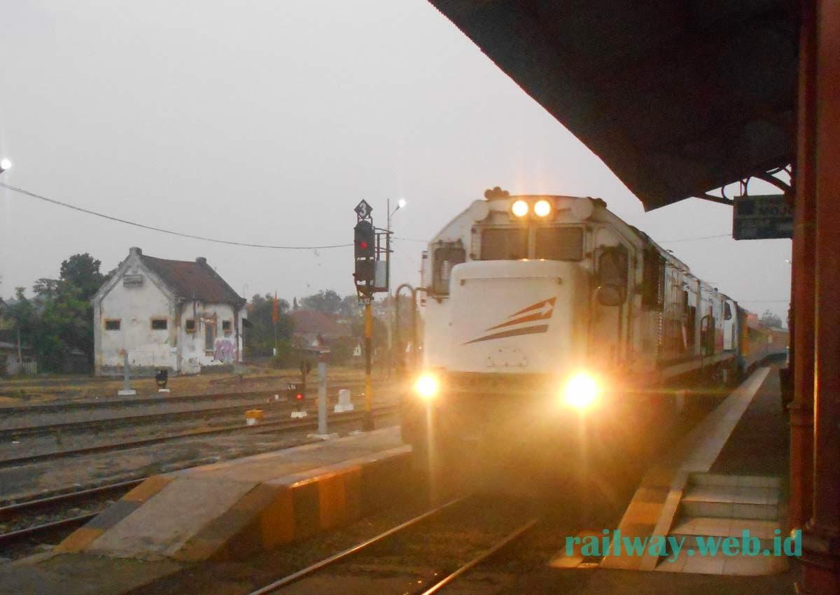lokomotif krd kertosono