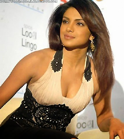 Priyanka Chopra hot cleavage pics unseen latest pics