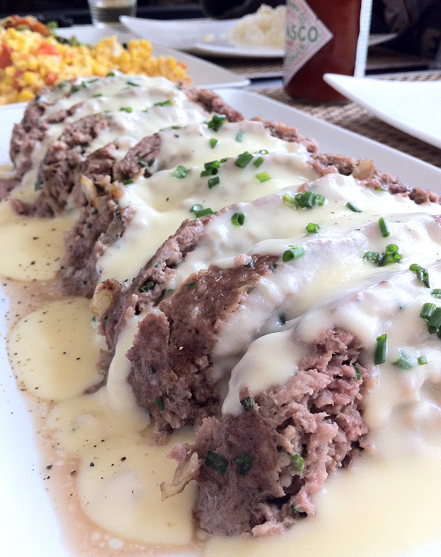 Food Makes Me Happy: Simple Meatloaf with Cheddar and Monterey