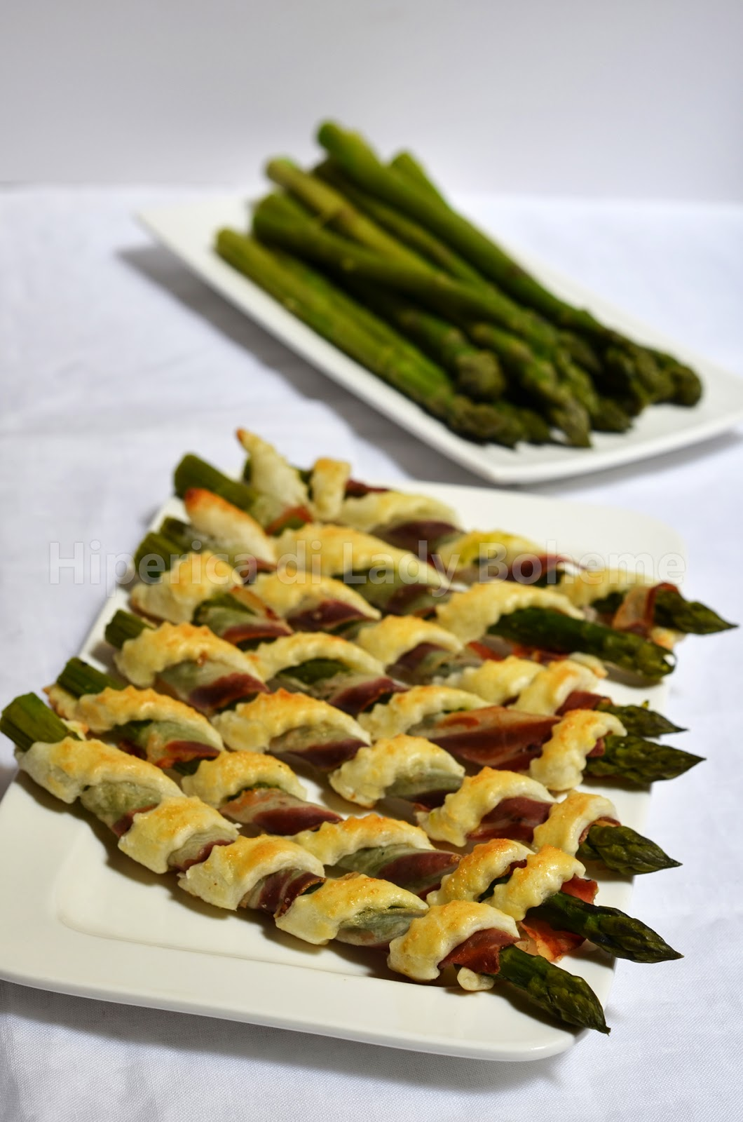 hiperica_lady_boheme_blog_cucina_ricette_gustose_facili_veloci_cannoli_di_pasta_sfoglia_con_asparagi_e_pancetta_2