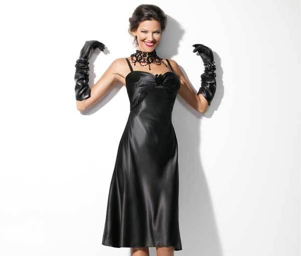 Clic pentru a vedea detalii despre rochie