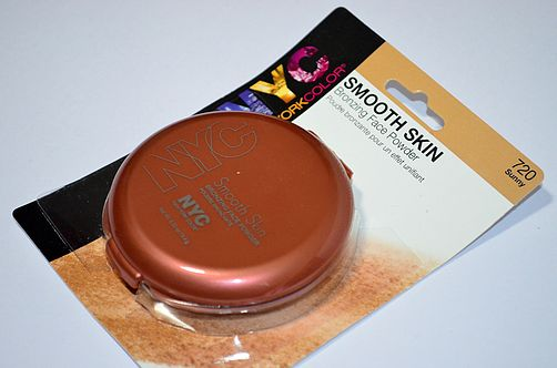 """NYC   Smooth Skin Bronzing Face Powder in """"Sunny"""""""