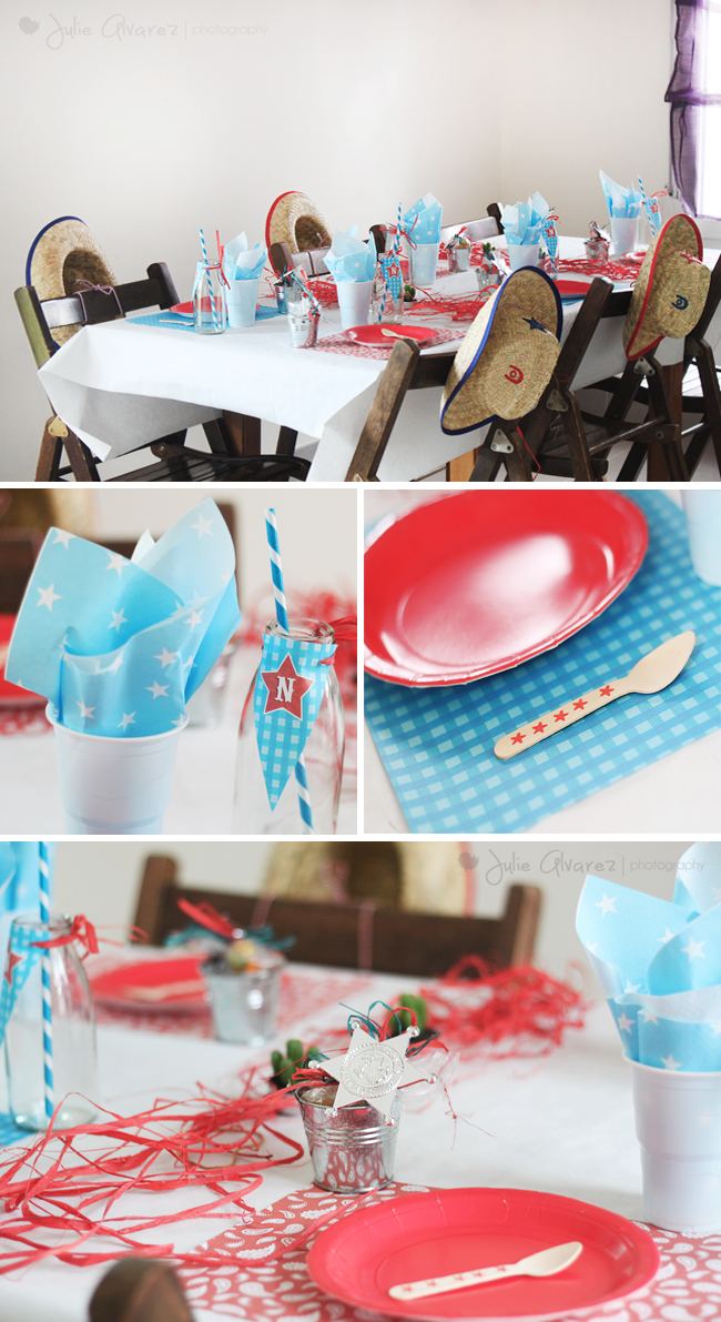 décoration de table rouge et turquoise avec étoile shérif