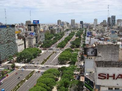 Arbolado en la 9 de Julio antes de las obras de Macri para el Metrobus