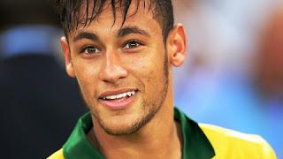 """Quem fez o vídeo do Neymar bêbado em sua mansão, em Santos, foi uma jovem do interior de São Paulo (Ribeirão Preto). Ela deixou vazar as imagens, deixando o jogador nervoso e louco para descobrir o autor (a) da """"obra""""."""