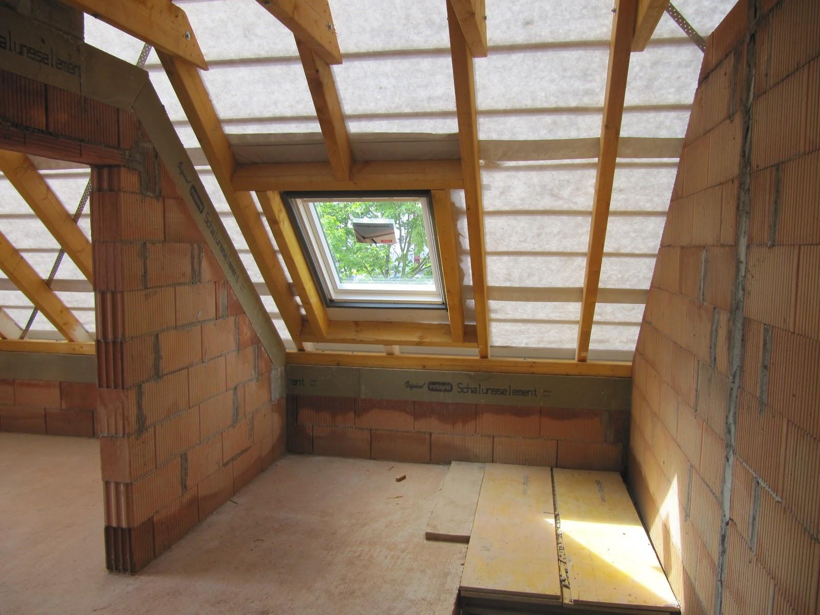 Projekt schnitzelbude dach geschlossen und for Kleines dachfenster