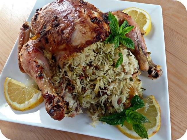 دجاج محمر محشو بالأرز واللحم
