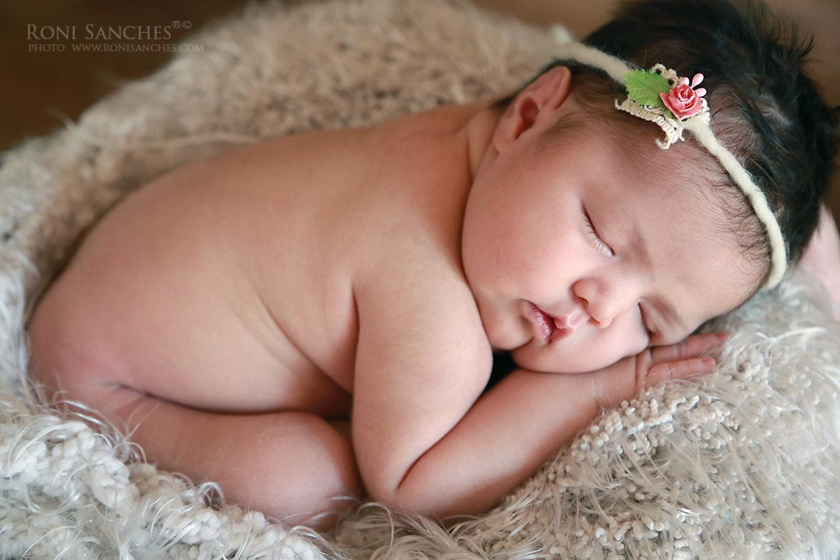 bebê newborn, recem-nascido