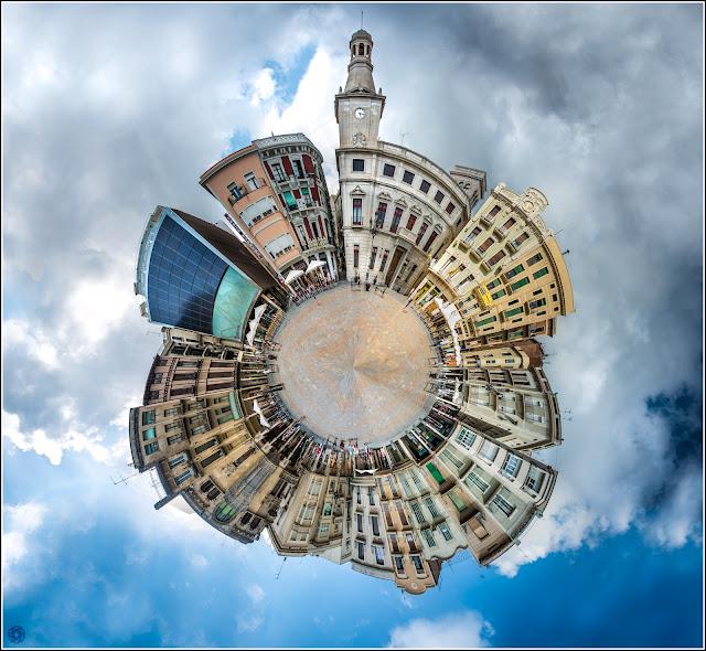 Miniplanet Littleplanet Plaça Mercadal Reus
