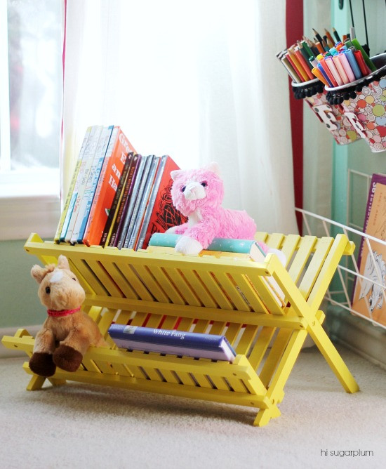 Iheart organizing uheart organizing a clever kid 39 s book for Diy book rack