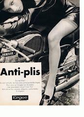 A l'époque, on se servait des motos pour la publicité.