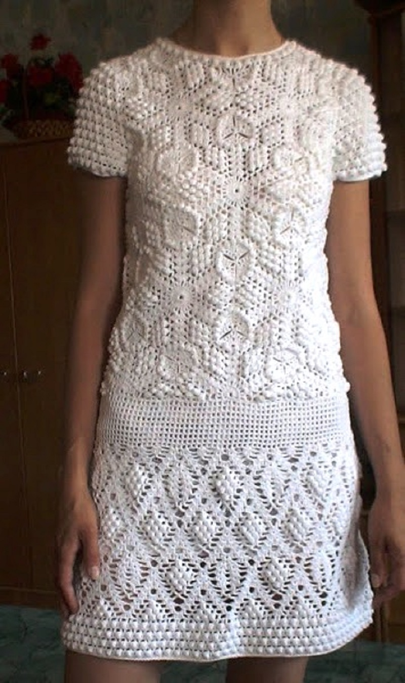Crochet Patterns Top Sea Breeze Cover Up. Free Crochet Pattern for sizes S, M and L. Find this Pin and more on vestidos de crochet by Mónica Vivanco. .