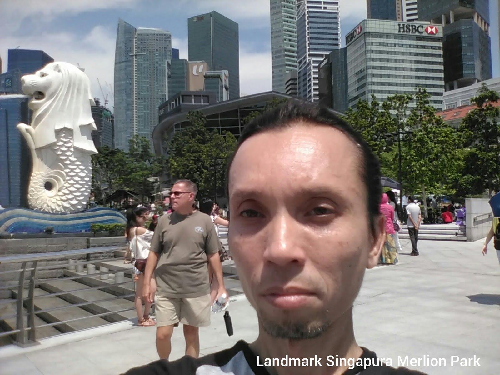 SELFIE DI MERLION PARK SINGAPORE