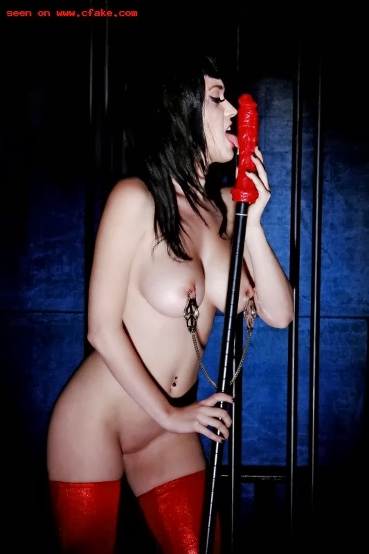 katy perry naked licking wet