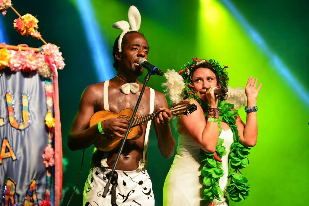 Rio Marchinhas 2014: Alan Rocha e Bianca Leão, da Orquestra Popular Céu na Terra. Foto: Páprica Fotografia