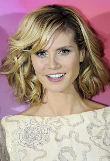 Heidi Klum Shoulder Length Medium Curly Hairstyle