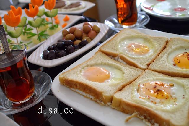 hafta sonu tarifi tost ekmeğinde yumurta
