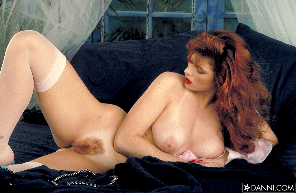 julia hayes nude pictures