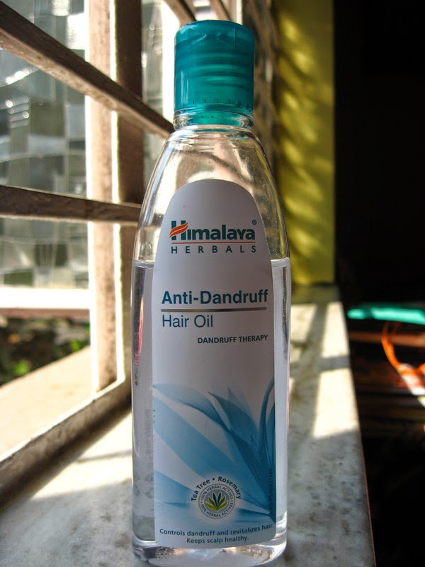 Review of Himalaya Herbals Anti Dandruff Hair oil