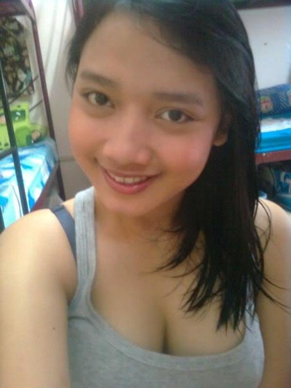 Foto-Foto Gadis Cantik Pemilik Payudara Terbesar Pic 12 of 35