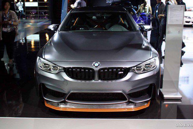 Xe BMW M4 GTS 2016 ra mắt giá 134.200 USD
