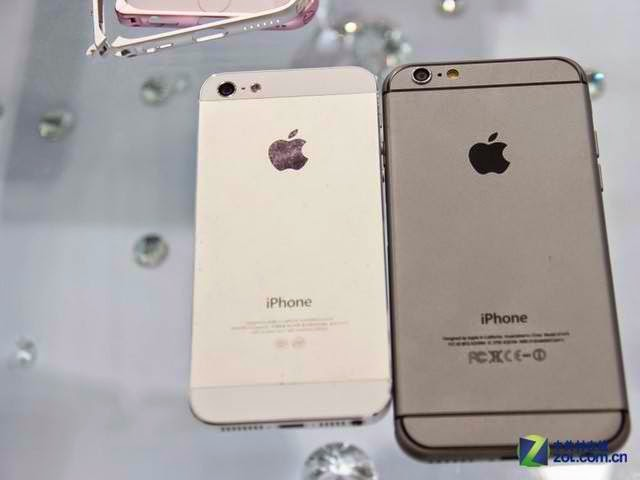 How iPhone 6 looks beside iPhone 5
