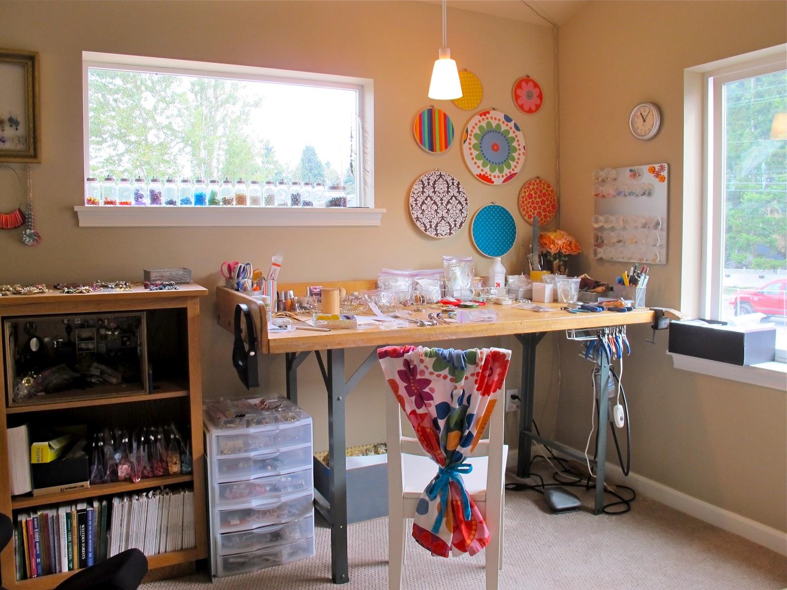 Blukatkraft bead storage craft room ideas for Crafty bedroom ideas