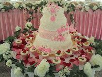 4 Tier Steambuttercream+30 cup cakes