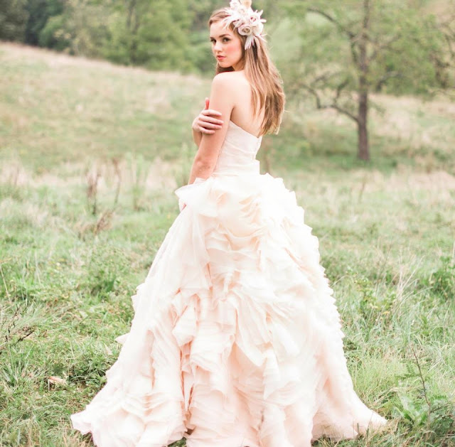 Светло розовое свадебное платье