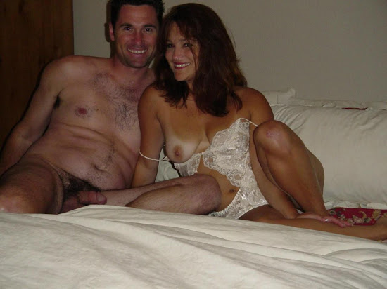 naked couple milf with saggy tits on bed