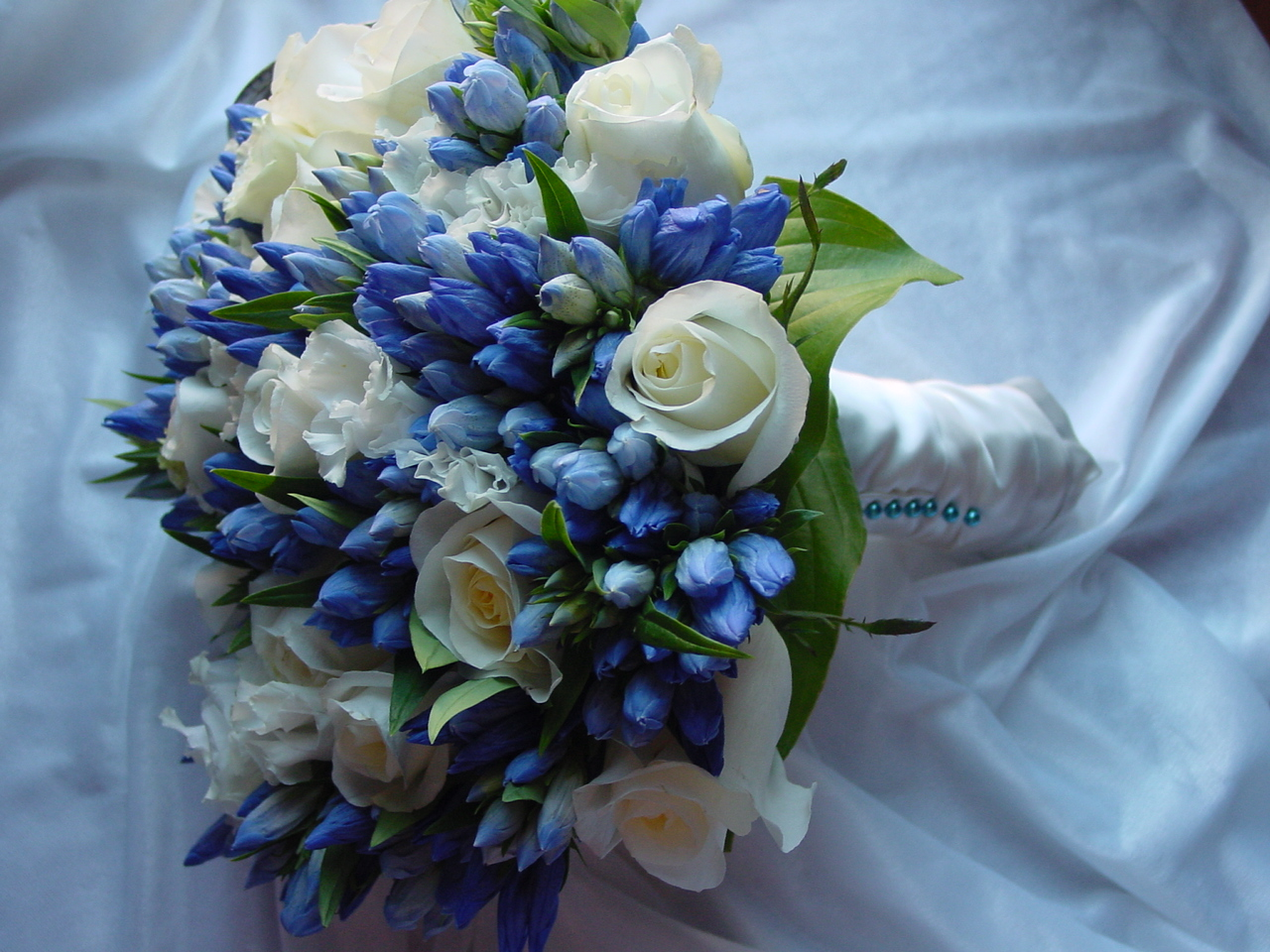 silk wedding flower bouquets