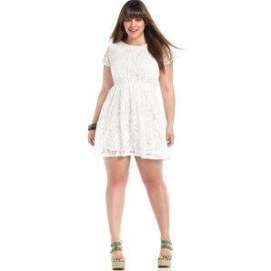 modelo de vestido de renda branco para gordinhas - dicas e fotos