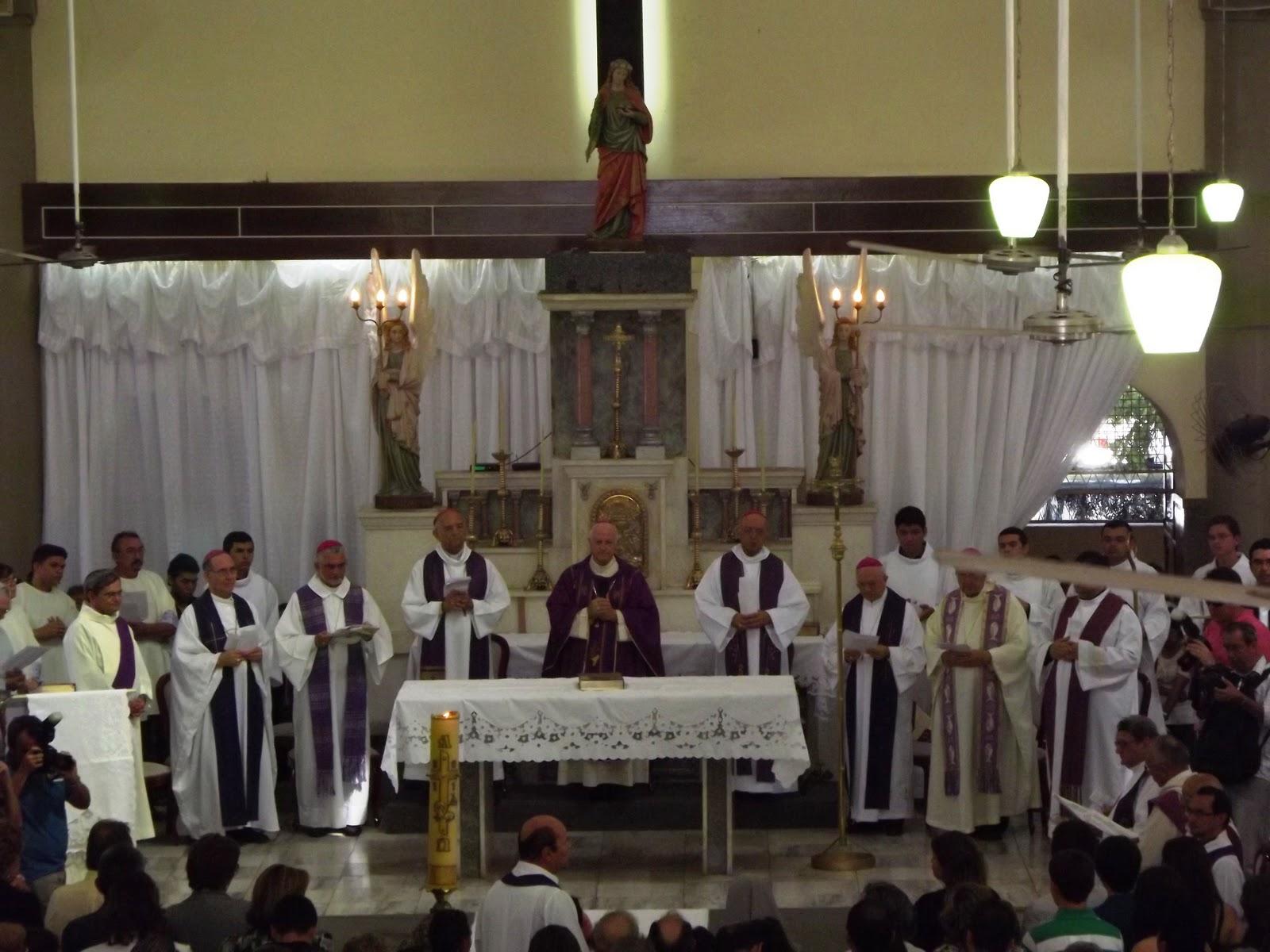 ... das exéquias foi presidida por D. Mariano Manzana, Bispo de Mossoró