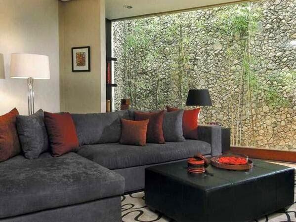 ruang tamu dengan batu alam