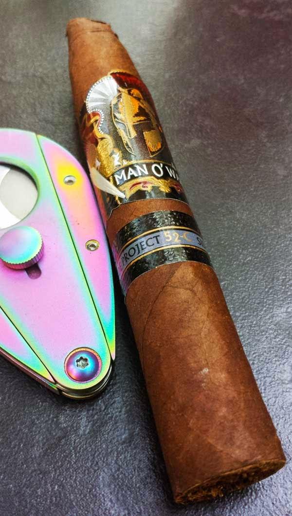 Man O' War Side Project 52-C Cigar with Xikar Cutter