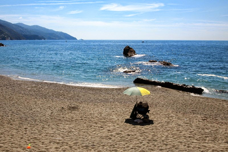 Relaxing on the beach - Monterosso al Mare, Cinque Terre