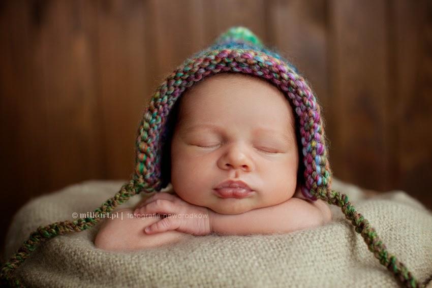 fotografia  noworodkowa, sesja fotograficzna noworodka, artystyczne zdjęcia dzieci, studio milkart, fotograf dziecięcy Wielkopolska