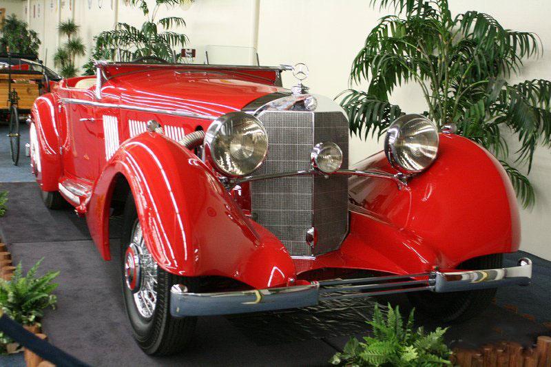 car in 1937 Mercedes Benz