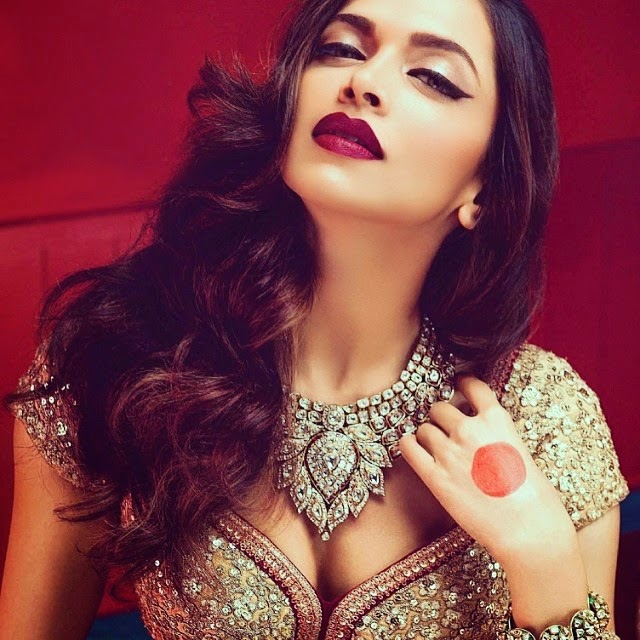Deepika Padukone Heroine of Chennai Express Hot Photoshoot for Magazine in 2014