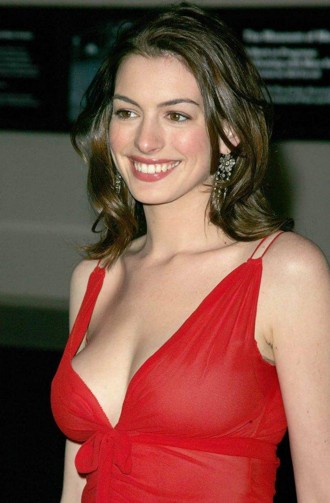 Gata do Dia - Anne Hathaway