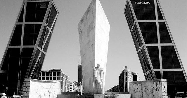Especiesdeespaciosenconstrucci n puerta europa torres kio - Torres kio arquitecto ...