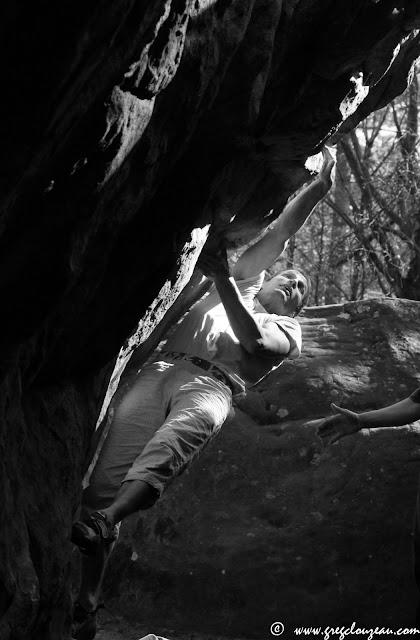 Manu exécute sa Danse de Printemps, Rocher St Germain, 7b+, 2015, (C) Greg Clouzeau