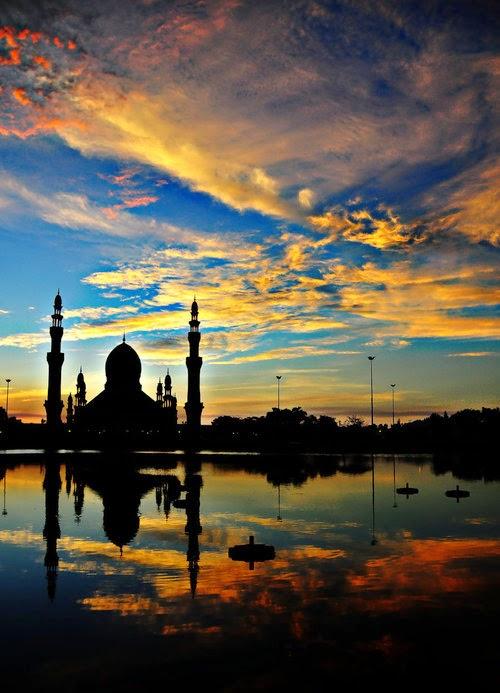 Mosque at Kuala Belait, Brunei.