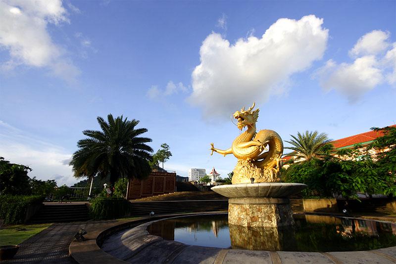 Gold Dragon Sculpture Figure Art China, Phuket Thailand